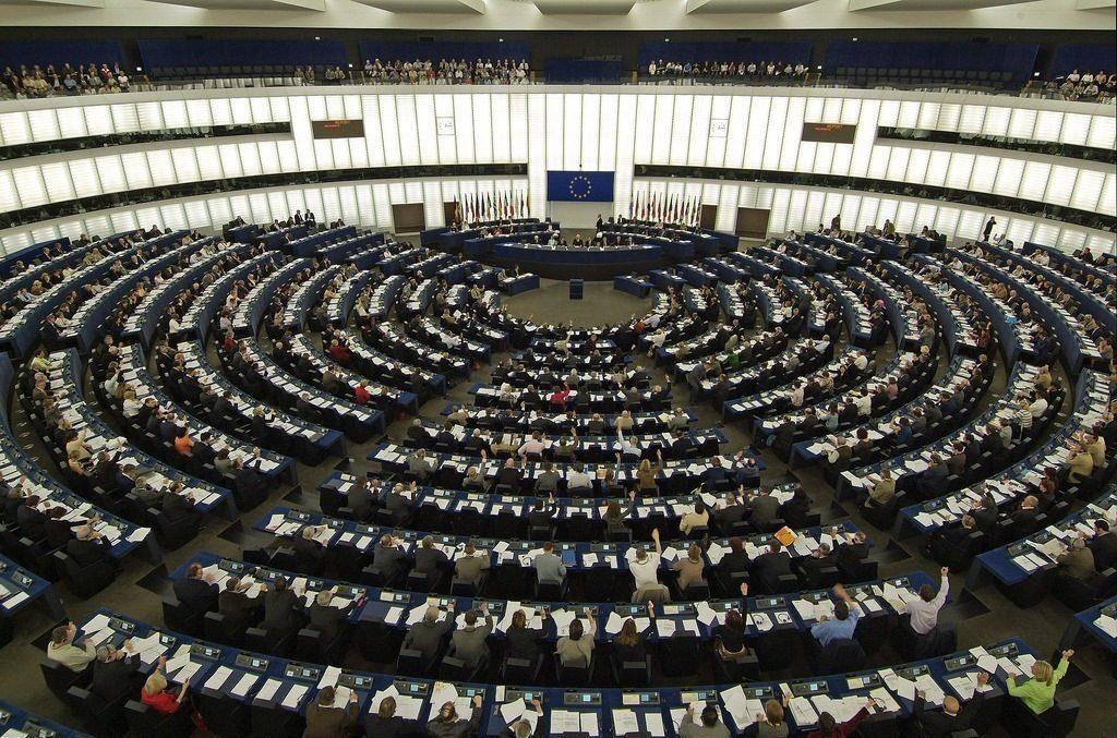 Ong, Parlamento europeo dice no ai porti aperti: bocciata la risoluzione