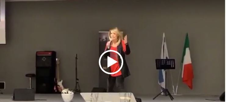 Nausica della Valle presenta 'VoceControcorrente' – IL VIDEO
