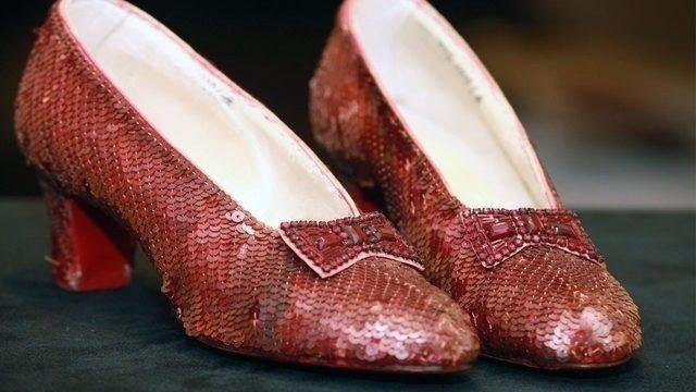Le scarpette rosse di Dorothy come icone gay: la trovata australiana