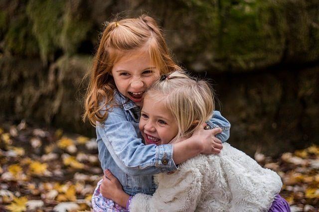 Dona alla sorellina il suo midollo: storia d'amore e salvezza a Catania