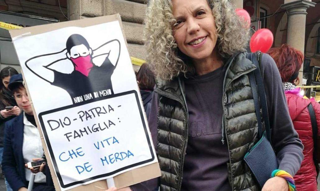 """Cirinnà (PD) vuole abolire le diciture """"madre"""" e """"padre"""" nelle carte d'identità dei minori"""