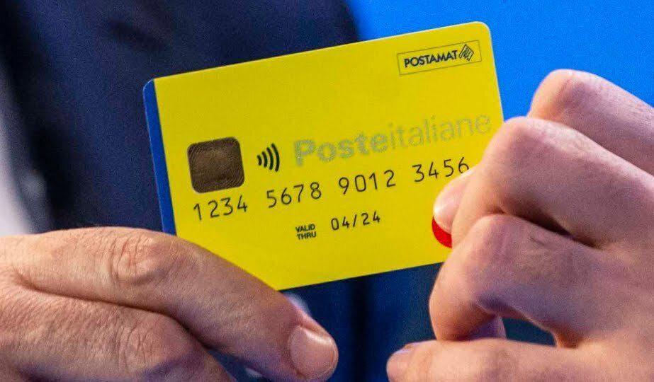Reddito di cittadinanza, pagamento gennaio 2021 sospeso: cosa fare