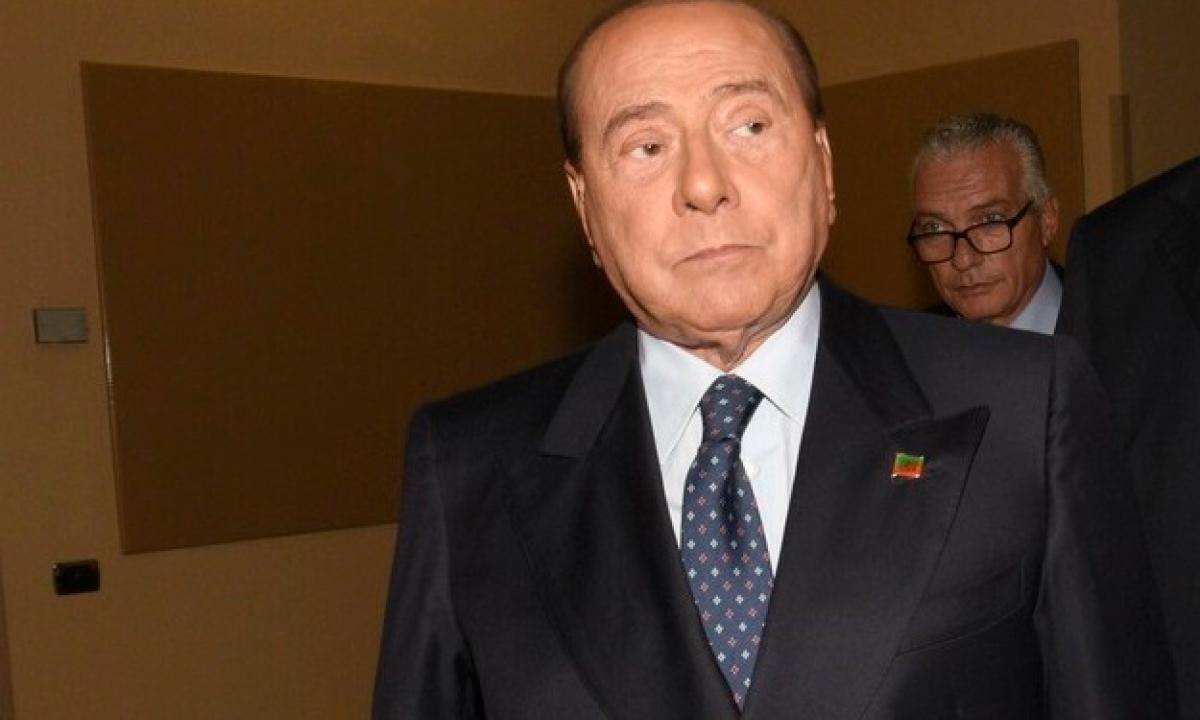 Trattativa Stato – mafia, Berlusconi in aula a Palermo non risponde ai giudici