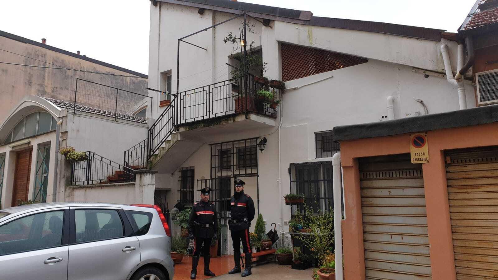 Incendio in casa a Milano: morti due fidanzati asfissiati