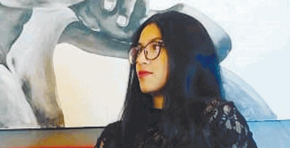 """'Sardina' con il velo: """"Da iraniana musulmana un'immagine che mi fa soffrire"""""""