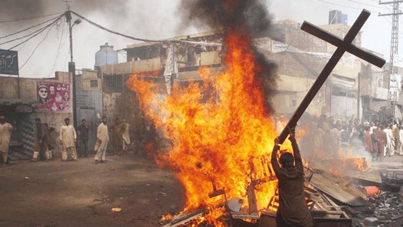 Bimba di 3 anni uccisa con machete in Nigeria: altro attacco islamista