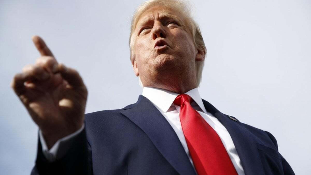 """Afghanistan, Trump: """"Gli Usa intervengano! Bombardare a tappeto"""""""