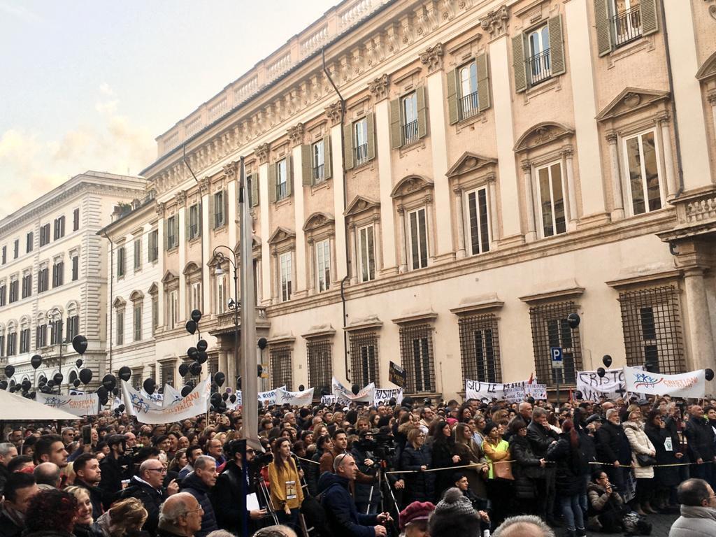 A Roma il ChristianDay: in migliaia in piazza / FOTO, VIDEO E DICHIARAZIONI