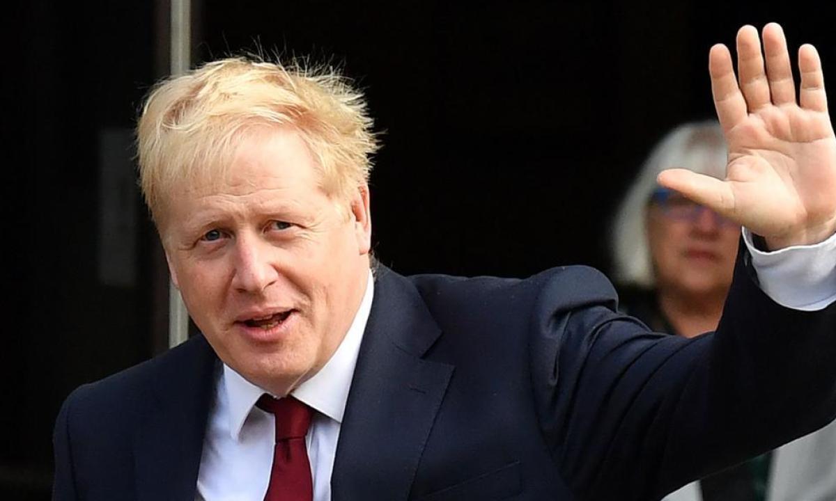Covid-19, Regno Unito: Boris Johnson annuncia nuove restrizioni