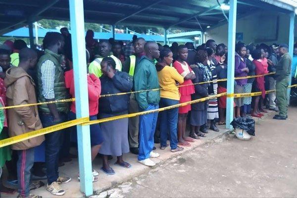 Kenya, calca in una scuola: morti 13 bambini e 40 feriti