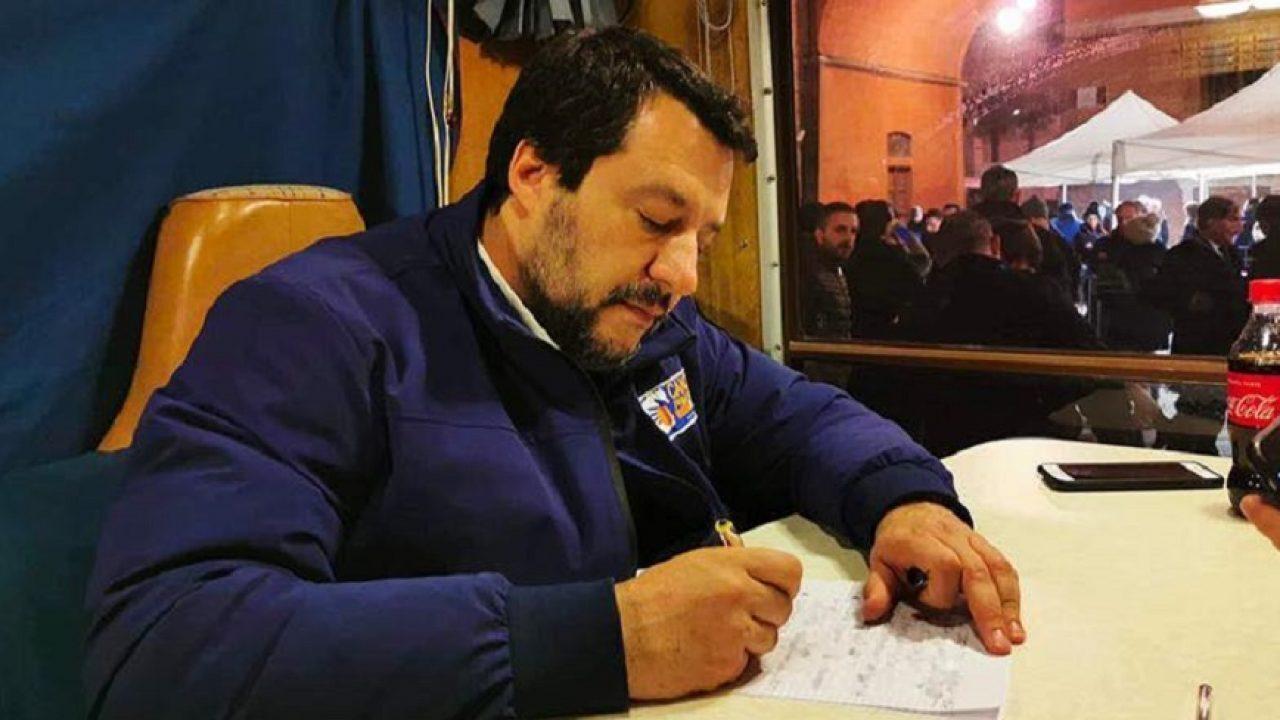 Salvini a Palermo e le Sardine lo contestano