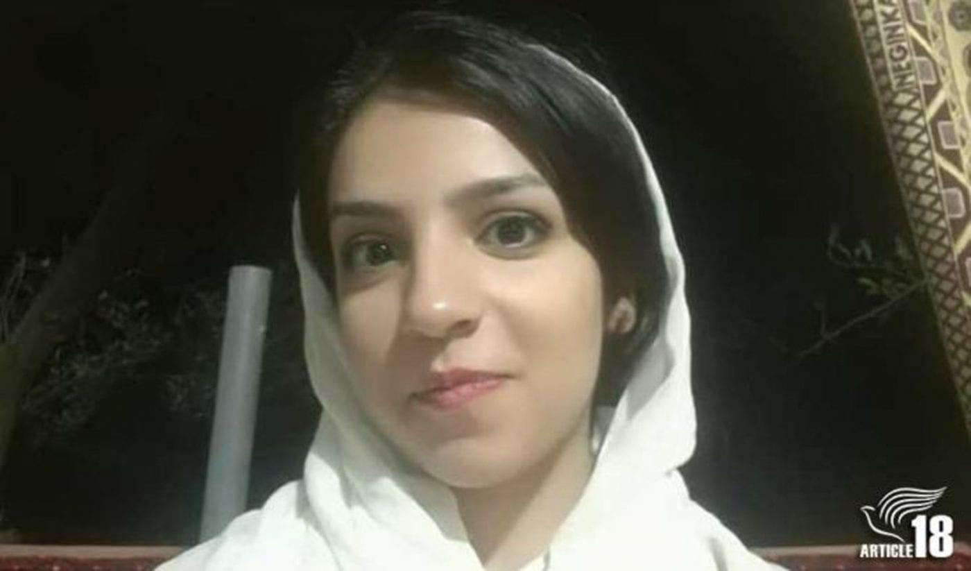 Iran, 21enne cristiana condannata a 3 mesi di carcere e 10 frustate