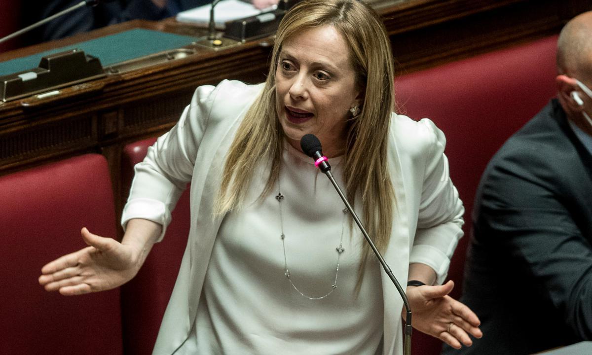 """Conte: """"Consulterò le forze politiche di centrodestra una alla volta"""",  Meloni : """"Non decide lui…"""""""