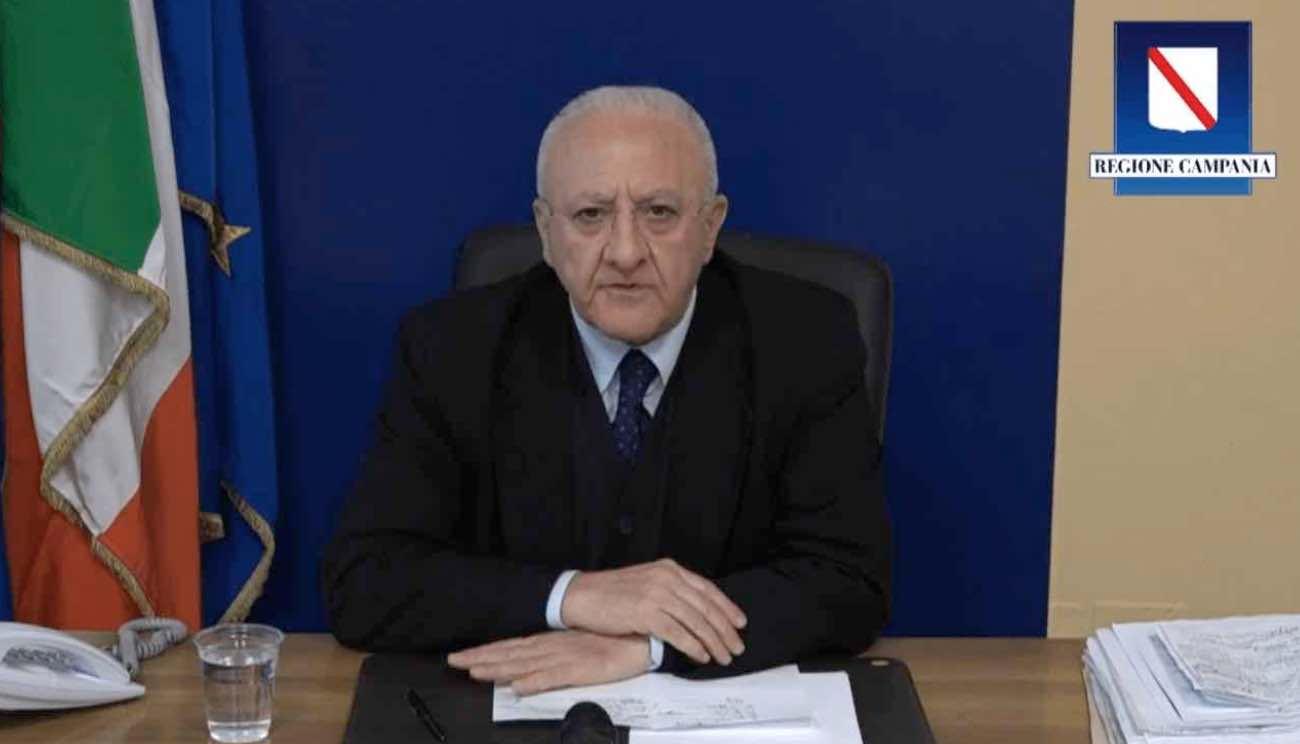 Indagato De Luca, governatore della Campania: l'ipotesi è di abuso e truffa