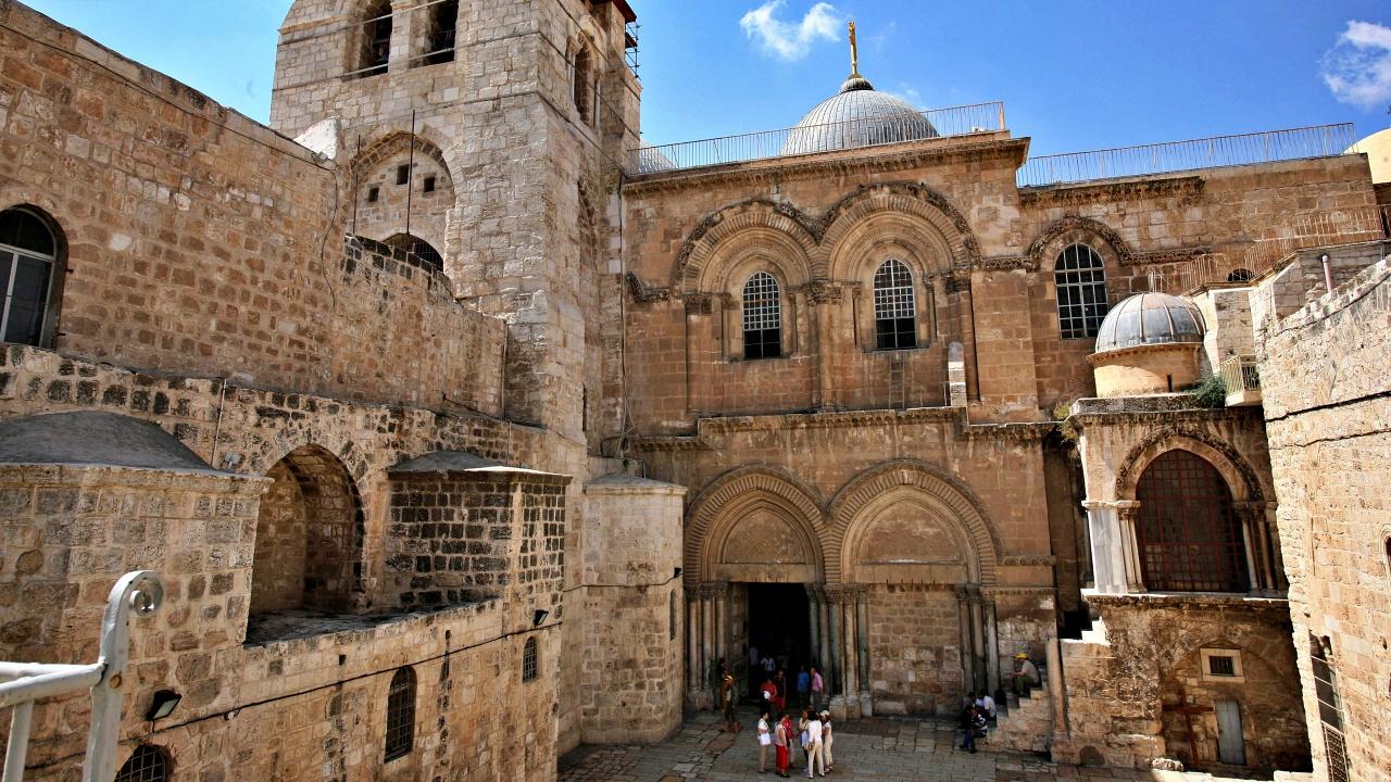 Riapre il Santo Sepolcro a Gerusalemme