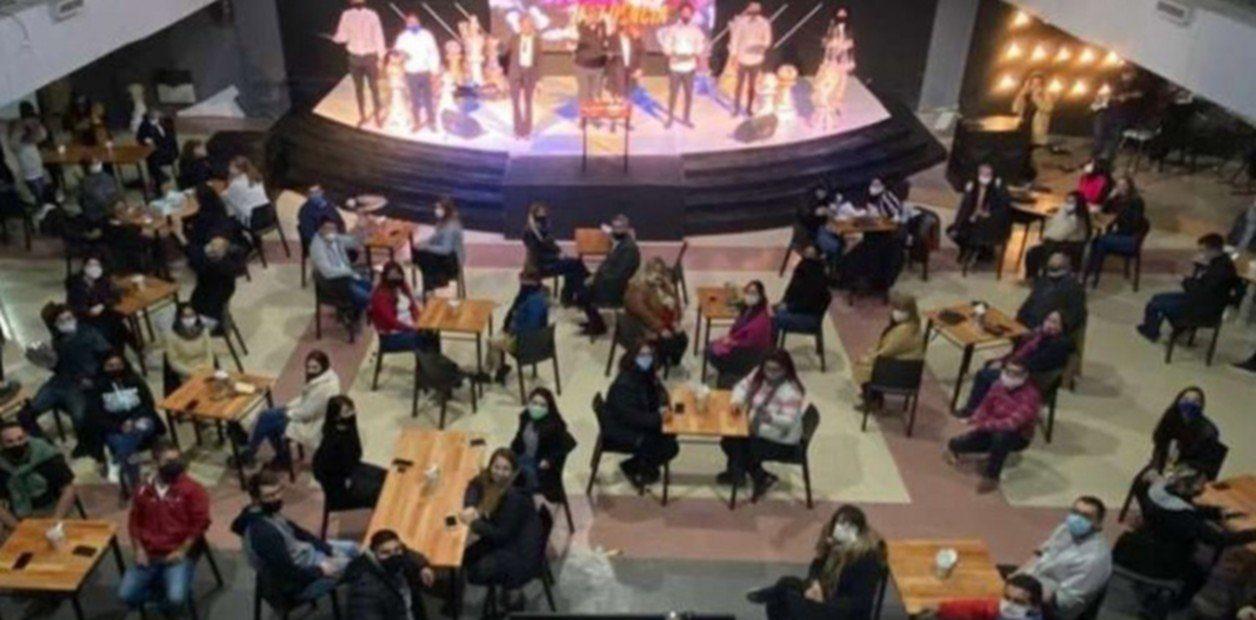 Argentina, chiesa evangelica trasformata in un bar per protesta anti Covid-19