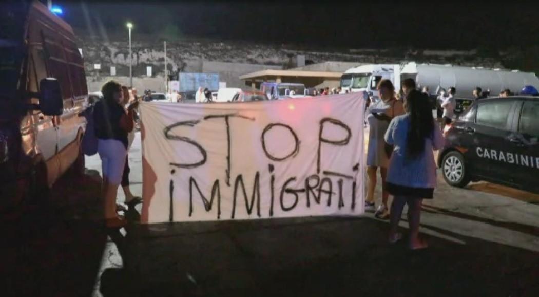 """Sciopero a Lampedusa. Maraventano: """"Chiudere subito l'hotspot per fermare gli sbarchi"""""""