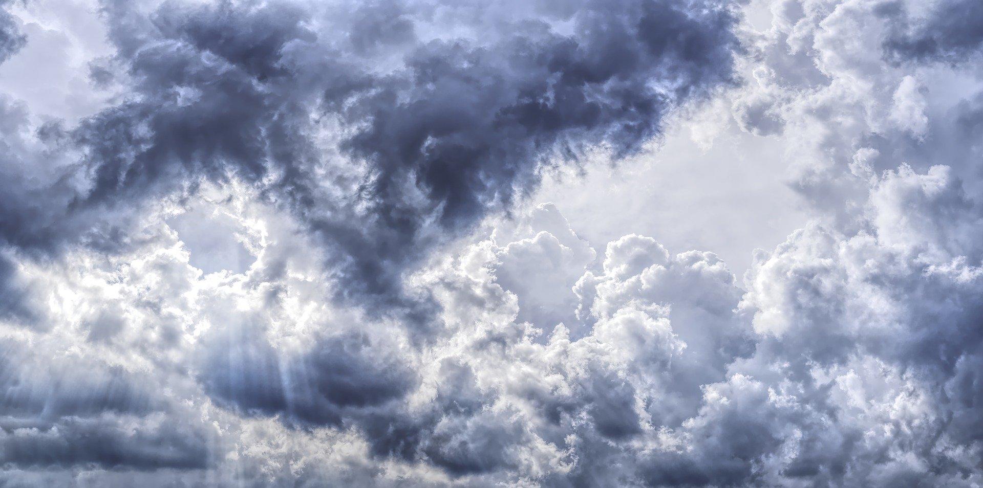 Ciclone mediterraneo sul Sud Italia: previsti temporali e forti venti