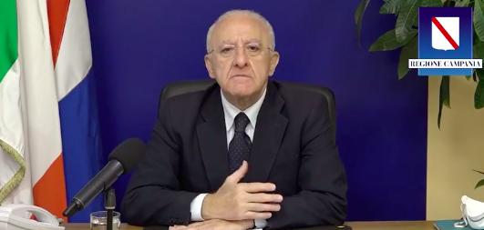 """Vincenzo De Luca alla festa del Pd: """"Giornata contro l'omotransfobia? Ma andate al diavolo"""""""