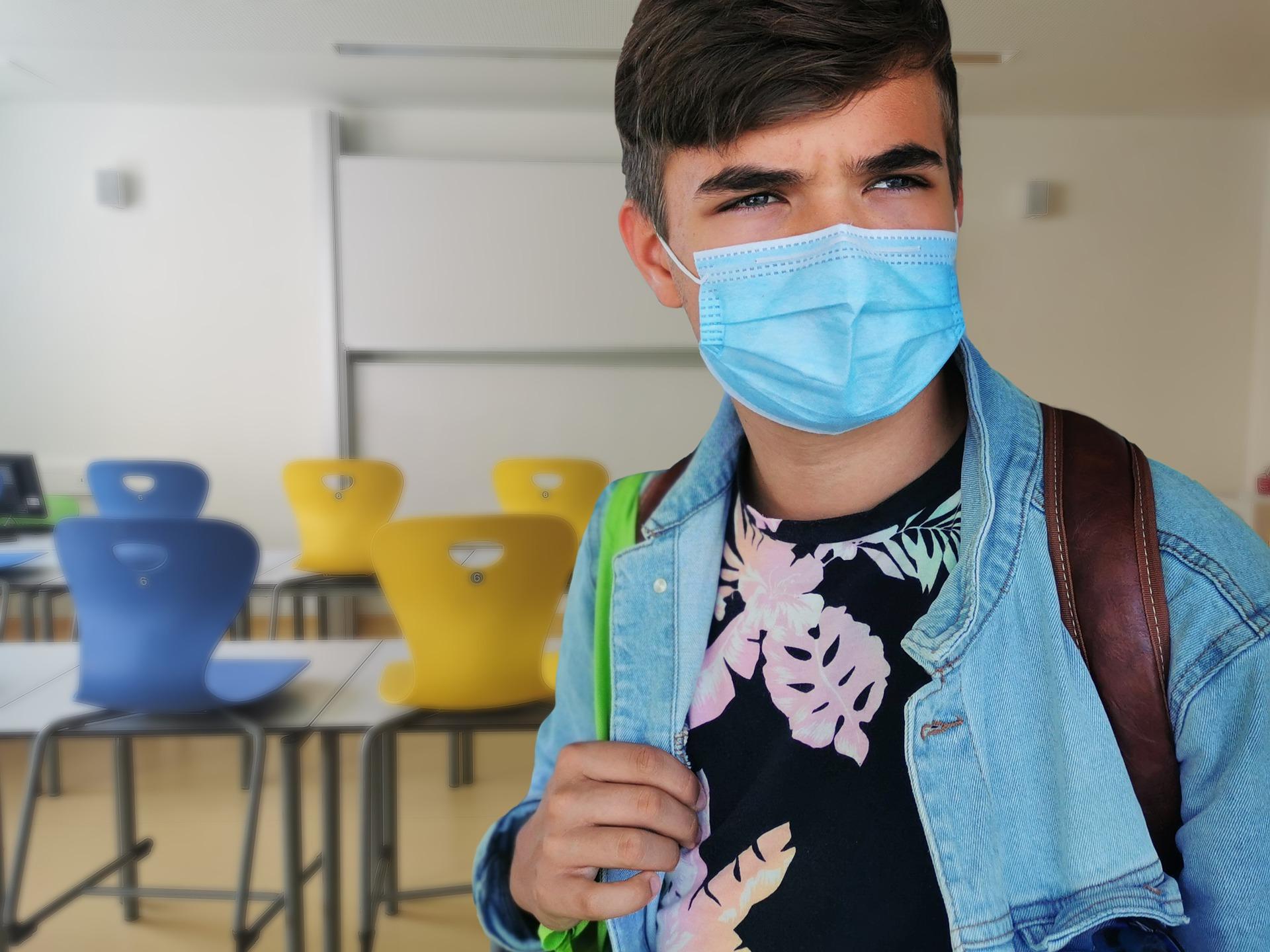 """Vaccino, Oms: """"I giovani potrebbero aspettare fino al 2022"""""""