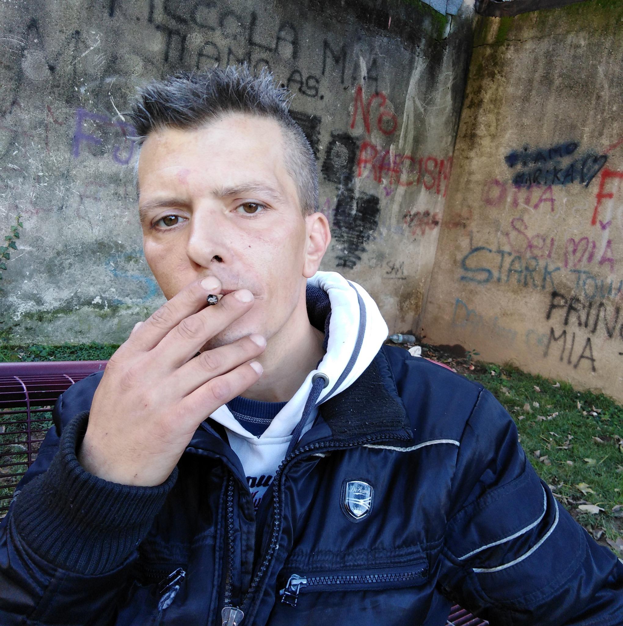 Omicidio a Monza, 42enne accoltellato in strada: assassini in fuga