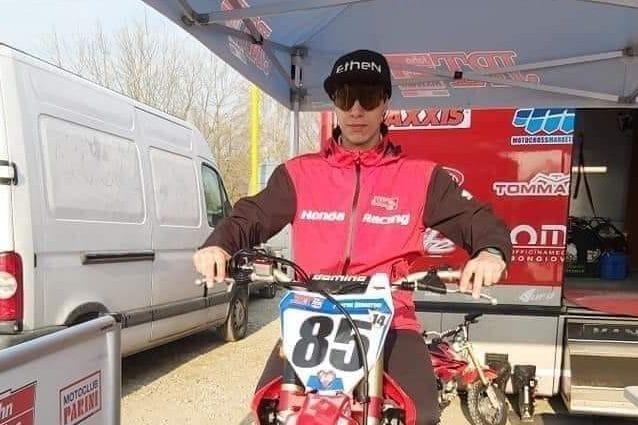 Schianto in motocross, muore il 17enne Sebastian Fortini