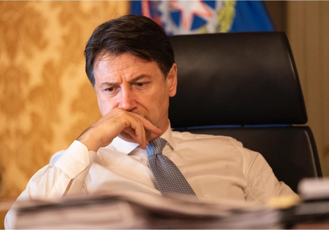 """Governo, Bellanova e Bonetti si dimettono ed è crisi: ma il """"Conte ter"""" è vicino"""