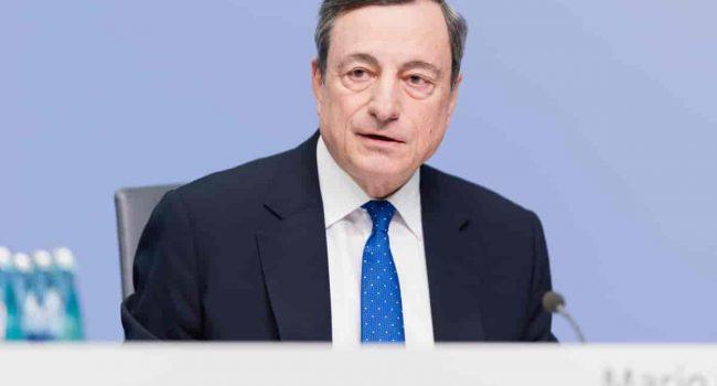 Ristori e licenziamenti, cosa potrebbe cambiare con Mario Draghi al Governo