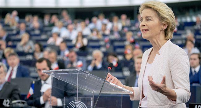 """Passaporto vaccinale, von der Leyen: """"Offriamo una soluzione europea"""""""