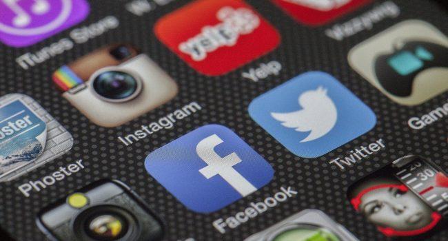 Donald Trump, chi lo ha veramente bannato dai social network?