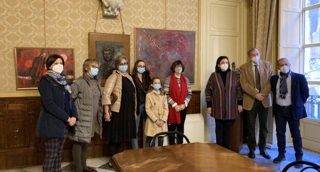L'artista Pupi Fuschi dona una sua opera al Comune di Palermo