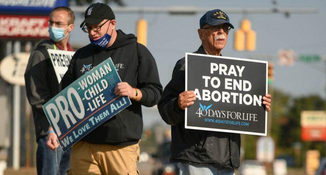 """Successo per la campagna pro vita """"40 Days for life"""": 300 aborti evitati in un mese"""