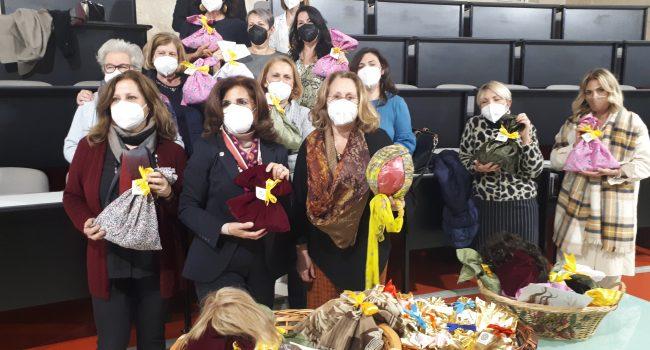 Ospedale Cervello di Palermo, donate 29 parrucche alle donne malate di tumore