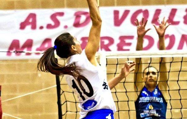 Incinta, società sportiva chiede i danni: il caso della pallavolista Lara Lugli