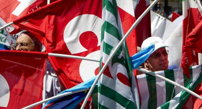 """1 maggio di rabbia e mobilitazione: """"Senza lavoro non è una giornata di festa"""""""