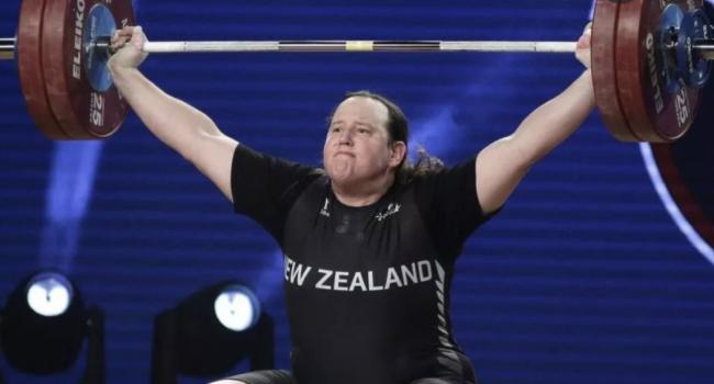 """Atleti uniti contro i transgender alle Olimpiadi: """"La biologia nello sport è importante"""""""