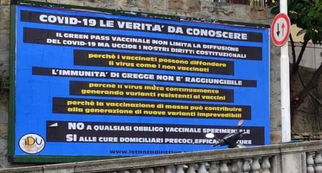 """A Sanremo un manifesto contro il green pass: """"Ecco la verità che dovreste conoscere"""""""