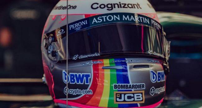 """Gp di Ungheria, Vettel gareggia con un casco arcobaleno: """"Squalificatemi"""""""