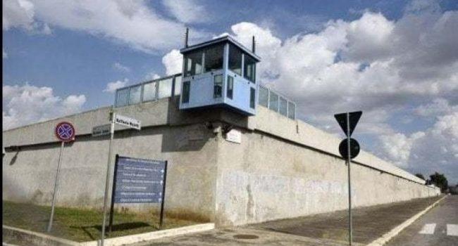 """Ragazza di 23 anni costretta a partorire in cella senza medico: """"Diritti delle donne calpestati"""""""